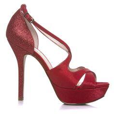 19954e9ce8 11 melhores imagens de Sapatos de Noivas - Sapatilhas