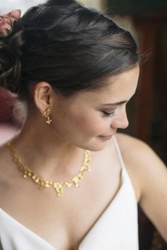 Gold Flower-Inspired Bridal Earrings and Necklace Jewelry for Wedding | Photo: Kate Preftakes Photography |