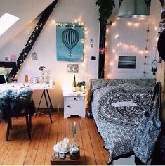 awesome •TEEN ROOM• I love this room.... The decor is beautiful. It's a little &... by http://www.top10zhomedecor.space/teen-bedroom-decorations/%e2%80%a2teen-room%e2%80%a2-i-love-this-room-the-decor-is-beautiful-its-a-little/