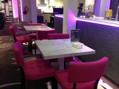 Tijd voor ontspanning bij Eigen Huis Houten: tafelbladen van TopCore in de kleur Ash Grey. De TopCore-collectie speelt in op 'Look and Feel'-trend: mooie materialen die ook echt aanvoelen