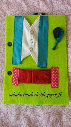 DIY: Closures page for the book of activities in felt (Quiet Book) . - DIY: Closures page for the book of activities in felt (Quiet Book) . Diy Quiet Books, Baby Quiet Book, Felt Quiet Books, Infant Activities, Book Activities, Silent Book, Fidget Blankets, Sensory Book, Quiet Book Patterns