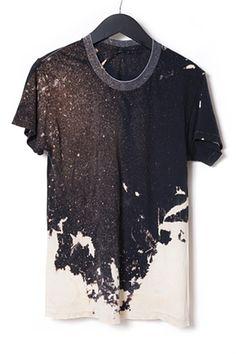 Simpel og kontrastfuld T-shirt. Genial, og kan overføres i så mange farvevarianter. Fedt!