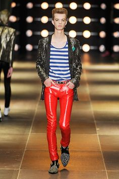 See all the Collection photos from Saint Laurent Spring/Summer 2014 Menswear now on British Vogue Saint Laurent 2014, Fashion News, Fashion Show, Fashion Outfits, Vogue Paris, Paris Fashion, Spring Fashion, Runway Fashion, Unisex Fashion