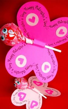 DIY School Valentine Cards for Classmates and Teachers - Simple and Easy DIY Valentine's Day Ideas F DIY School Valentines for the classroom and teachers – Valentines Day crafts and cards for kids Classroom Valentine Cards, Valentines For Kids, Valentine Day Crafts, Valentine Ideas, Valentine Recipes, Homemade Valentine Cards, Valentine's Cards For Kids, Diy And Crafts Sewing, Homemade Crafts