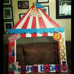 Circus photo frame
