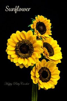 Crochet Sunflower by Happy Patty Crochet // Crochet flower pattern for flower arrangements, crochet bouquets and decor