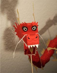 Blog_Paper_Toy_papertoy_Dragon_2012_Tina_Kraus_pic2