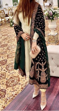 Outfit Inspo for a wedding - Indian designer outfits - Pakistani Fashion Party Wear, Pakistani Formal Dresses, Pakistani Bridal Wear, Indian Fashion Dresses, Dress Indian Style, Pakistani Dress Design, Pakistani Outfits, Nikkah Dress, Indian Outfits