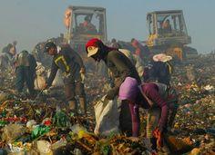 Oxfam menyebut kekayaan kolektif empat orang terkaya di Indonesia | PT Solid Gold Berjangka Cabang Makassar Namun, kesenjangan antara kaum sangat kaya dan penduduk lainnya di lndonesia tumbuh lebih cepat dibanding di negara-negara lain di Asia Tenggara. Melebarnya kesenjangan antara kekayaan orang super kaya dan kelompok masyarakat lainnya tersebut adalah ancaman serius pada kesejahteraan rakyat,…