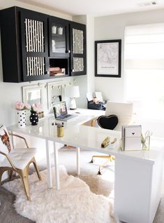 20 Inspirational Home Office Decor Ideas For 2019 - 20 modern office ideas to i. 20 Inspirational Home Office Decor Ideas For 2019 – 20 modern office ideas to inspire you to cre Mesa Home Office, Cozy Home Office, Home Office Space, Home Office Desks, Office Rug, Small Office Decor, White Desk Office, Chic Office Decor, Office Inspo