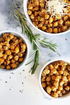 Baked Rosemary Parmesan Chickpeas #rosemary #chickpeas #snack
