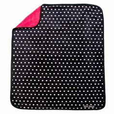 La couverture polaire Rockabilly Dot de la marque Elodie Details allie moelleux et toucher velours . De haute qualité et pratique, cette couverture est parfaitement adaptée pour couvrir bébé dans la poussette. Elle est conçue avec une double épaisseur pour tenir chaud et absorbe l'humidité.