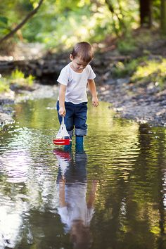 ~ …Sunday afternoons at the park with him & his boat….discovering new, hidden creeks to wade in….watching the little ones catch crawdaddies & frogs around the crawdad hole, with such amusing faces…senses & imagination at play! Children Photography, Photography Poses, Family Photography, Outdoor Photography, Little Boy Photography, Kind Photo, Boy Photo Shoot, Poses Photo, Toddler Photos