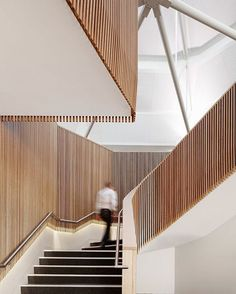 New stripped wooden stairs stairways ideas Architecture Design, Stairs Architecture, Interior Design Colleges, Interior Desing, Modern Staircase, Staircase Design, Stair Elevator, Stair Handrail, Railings
