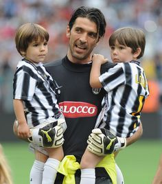 Gianluigi Buffon (with sons David and Louis) | 31 Soccer DILFs Who Will Make Your Heart Melt