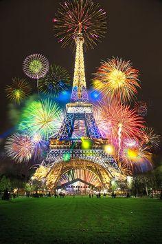 Paris c'est jolie avec des feu d'artifice