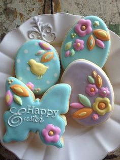 31 Pretty and Delicious Easter Cookies to Make … - Kekse Ideen No Egg Cookies, Galletas Cookies, Fancy Cookies, Iced Cookies, Easter Cookies, Easter Treats, Holiday Cookies, Cupcake Cookies, Sugar Cookies