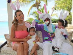 I don't know why but this picture of Mariah Carey, Nick Cannon and kids makes me smile. Black Celebrities, Hollywood Celebrities, Celebs, Hollywood Couples, Mariah Carey Nick Cannon, Black Celebrity Couples, Celebrity Children, Celebrity Photos, Hollywood Street