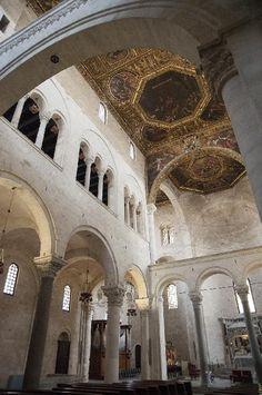 La Basilica - Basilica interno