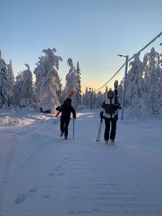Skiing In Japan, Go Skiing, Ski And Snowboard, Snowboarding, Chalet Girl, Ski Season, Winter Cabin, Winter Theme, Winter Sports