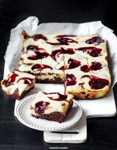 Sernikobrownie z wiśniami w syropie Original Cake Recipe, Baking Recipes, Cake Recipes, Quiche, Cake & Co, Cheesecake Brownies, Polish Recipes, How Sweet Eats, Something Sweet