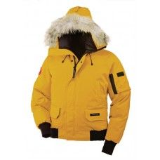 Canada Goose Clearance Sale - classic and authentic pieces that offer the best in extreme weather protection.Authentic canada goose jackets,canada goose parka,canada goose hoody,canada goose vest hot sales in our Canada Goose outlet store. Canada Goose Outlet, Cheap Canada Goose, Canada Goose Fashion, Canada Goose Parka, Canada Goose Jackets, Canada Goose Chilliwack, Fur Coats For Sale, Outdoor Outfit, New York Fashion