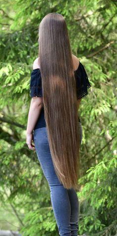 Beautiful Long Hair, Gorgeous Women, Long Braids, Super Long Hair, Silky Hair, Layered Cuts, Dream Hair, Female Images, Hair Goals