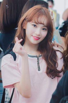 Cute Korean Girl, Korean Girl Groups, Yu Jin, Woollim Entertainment, Japanese Girl Group, Pretty And Cute, Photo Cards, One Pic, Kpop Girls
