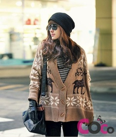Oversized Asian Fashion Button-Through Sweater With Snowflakes & Reindeer Winter Sweaters, Sweaters For Women, Sweater Weather, Cozy Sweaters, European Fashion, Asian Fashion, 70s Inspired Fashion, Fair Isle Knitting Patterns, Autumn Street Style