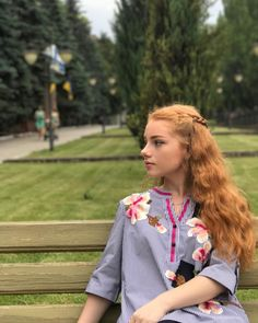 "218 Likes, 4 Comments - @julia.adamenko on Instagram: ""За 10 минут до дождя ☔️ ☔️☔️ #summer #ginger #relax #weekend #walking #happyday #rest #gingergirl…"""
