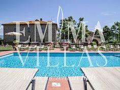 LE CASELLE 26 / 20 / 14 sleeps, fantastic villa with pool near Cortona (Arezzo)Holiday Rental in Cortona from @HomeAwayUK #holiday #rental #travel #homeaway