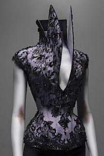 Alexander McQueen-Savage Beauty Corset Cl Fashion, Fashion Details, Womens Fashion, Fashion Design, Dress Fashion, Mode Chic, Mode Style, Style Blog, Sungoh 24k