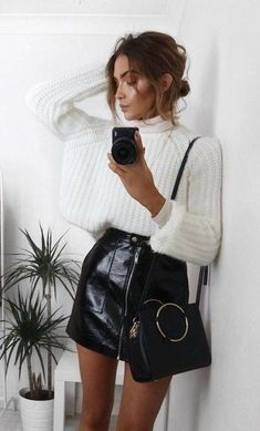 Outfits Skirt Mini Winter Outfit Minimal Chic 68 Ideas Which Wedding Favour? The dress has be Mini Skirt Outfit Winter, Black Skirt Outfits, Winter Fashion Outfits, Look Fashion, Fall Outfits, Winter Outfits With Skirts, Fashion 2020, Summer Outfits, Outfits 2016