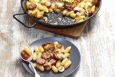 You& love our recipe for Gnocchi with Sausage, Mushrooms and Mozzarella. In addition to being delicious, this recipe is super easy to make since it& made with purchased refrigerated gnocchi. Gnocchi Recipes, Pasta Recipes, Dinner Recipes, Mozzarella, Gnocchi Sausage, Night Food, Kraft Recipes, Recipe Images, Eat Smarter