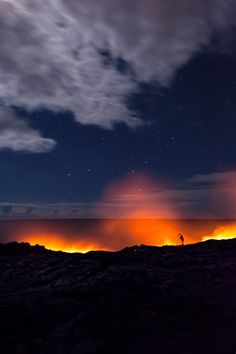 Volcano-Obsessed Photographer Miles Morgan's Amazing Pictures Of Lava (PICTURES)