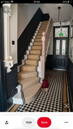 How to achieve your perfect stair runner. Hallway inspiration with this period style hallway complete with stair runner, tiled floor and dark painted wall panelling Edwardian Hallway, Victorian Stairs, Victorian Homes, Edwardian Staircase, Victorian Hallway Tiles, Victorian Terrace House, Edwardian House, Modern Victorian, Hall Tiles