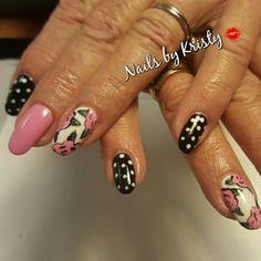 #gelpolish#pinkandblack#roses