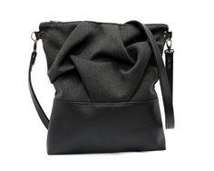 Black Crossbody Bag Origami Shoulder Bag Vegan door AikoThreads