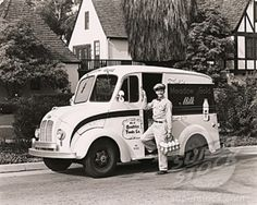 Meadowgold Dairy Products Home Delivery, 1950's & early 1960's.