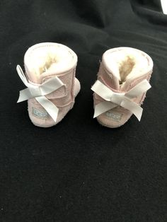 91fdd48bec81 Girls Jessie Bow II Bootie Uggs Infant Size Used Great Condition Baby Pink   fashion