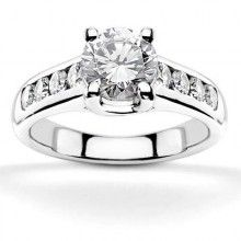 Check out this stunning #engagement rings ibraggiotti