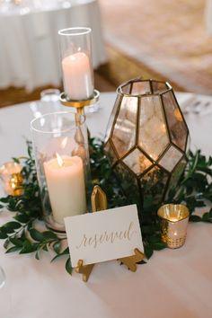 Fall Wedding Centerpieces, Wedding Flower Arrangements, Wedding Reception Decorations, Flower Centerpieces, Wedding Ideas, Centerpiece Ideas, Wedding Flowers, Wedding Planning, Simple Wedding Table Decorations
