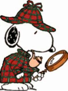 Snoopy en détective façon Sherlock Holmes, avec loupe et pipe, portant MacFarlane à carreaux rouges et verts et chapeau à rabats.