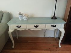 Hand Painted Beach Cottage Console/Sofa/Writing Desk Table Queen Anne Style Wood with Drawers Sofa Table With Drawers, Diy Sofa Table, Sofa Tables, Coffee Tables, Furniture Outlet, Furniture Makeover, Furniture Projects, Furniture Making, Queen Anne Furniture