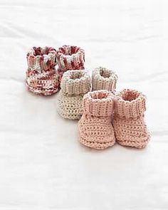 Baby's Booties (crochet) by Bernat Design Studio