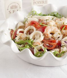 Insalata di calamari e gamberetti. | Colazione da Jo Italian Recipes, New Recipes, Cooking Recipes, Healthy Recipes, Caprese Salad, Pasta Salad, Calamari, Antipasto, Salty Foods