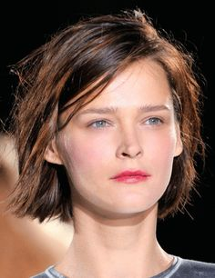 basically how my hair looks if i grow it out into a bob... chyeah, i MEANT to do that