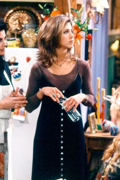 34 Rachel Green Fashion Moments You Forgot You Were Obsessed with on 'Friends' This slip dress over a long-sleeved shirt. See more Rachel Green fashion moments you forgot you were obsessed with here! Estilo Rachel Green, Rachel Green Outfits, Mode Rachel Green, Rachel Green Friends, Rachel Green Style, Rachel Green Fashion, Rachel From Friends Outfits, Rachel Green Hair, Monica Friends