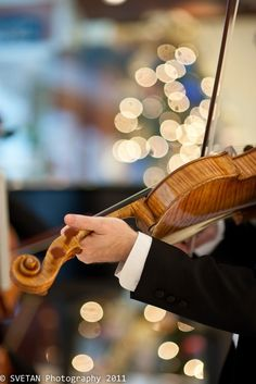 """gyclli: """"VIOLIN VIRTUOSO BOKEH by Marquisa - """" -pictures as fairytale pretty like this on wedding day and all of our pictures through the engagement process. Bokeh technique used. Sound Of Music, Music Is Life, Live Music, Musica Celestial, Some Enchanted Evening, Amadeus Mozart, Bokeh Photography, Violin Photography, Black Tie Affair"""