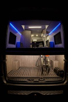Buscamper, Mercedes Sprinter, Luxe Van, Innova Roadtrip, Camping, Motorhomes, Jachtinterieur